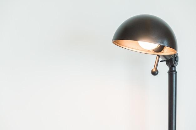 Lampe de bureau en un fond blanc