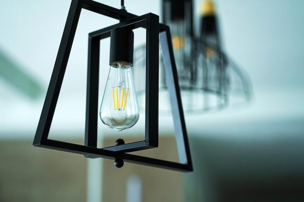 Lampe élégante intérieure loft avec lampe rétro moderne. décor intérieur.
