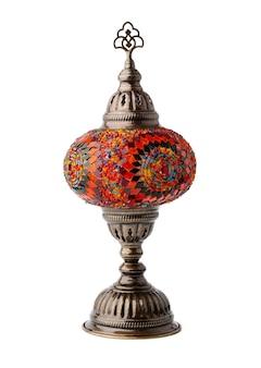 Lampe orientale artisanale isolé sur fond blanc