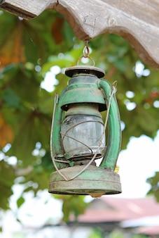 Lampe à pétrole vintage suspendue