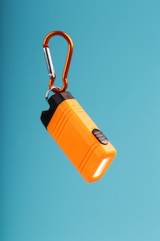 Lampe de poche led orange avec mousqueton