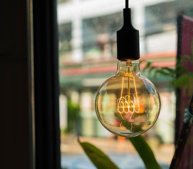 Lampes dans un café moderne