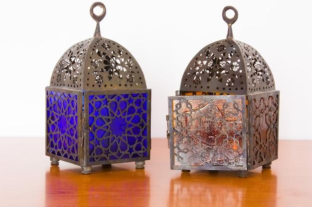 Lampes égyptiennes - métal et verre coloré, du caire