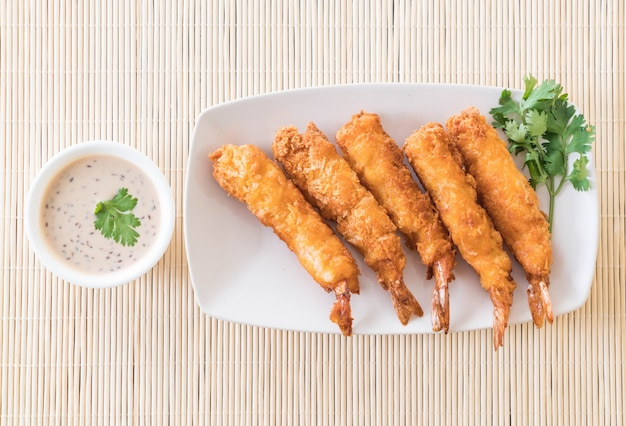 Langostin frits sur table
