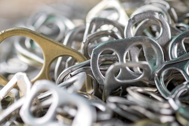 Languettes en aluminium