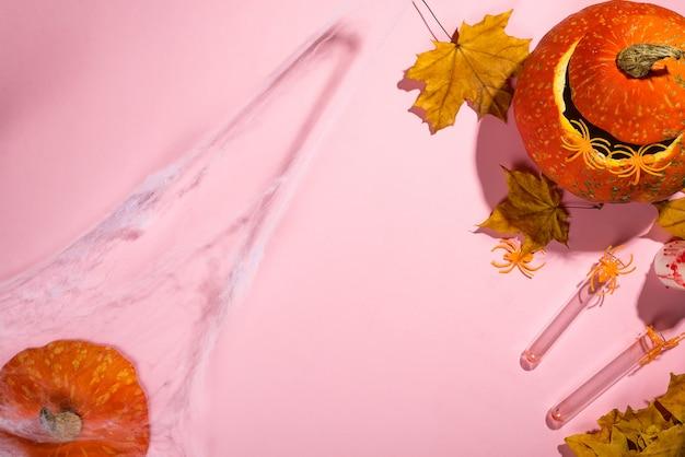 Lanterne citrouille halloween avec bougies allumées orange