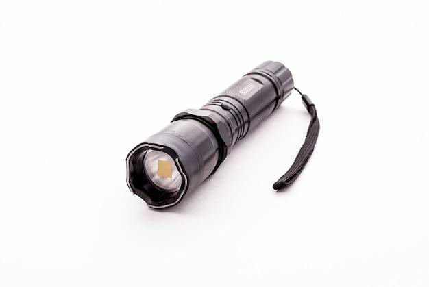 Lanterne en métal noir avec électrochoc