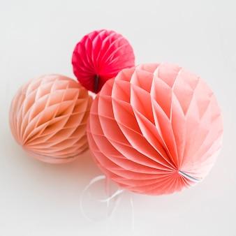 Lanterne en papier rose