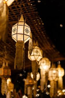 Lanternes à chiang mai, thaïlande
