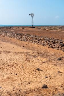 Las salinas de lobos sur l'isla de lobos, le long de la côte nord de l'île de fuerteventura, îles canaries. espagne
