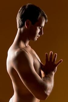 Latéral, méditer, coup moyen