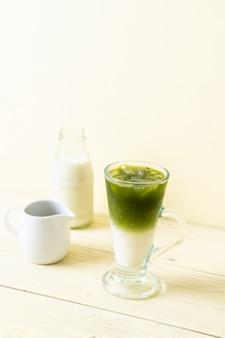 Latte au thé vert matcha glacé