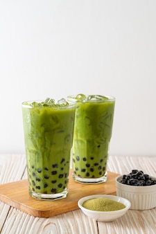 Latte de thé vert avec bulle