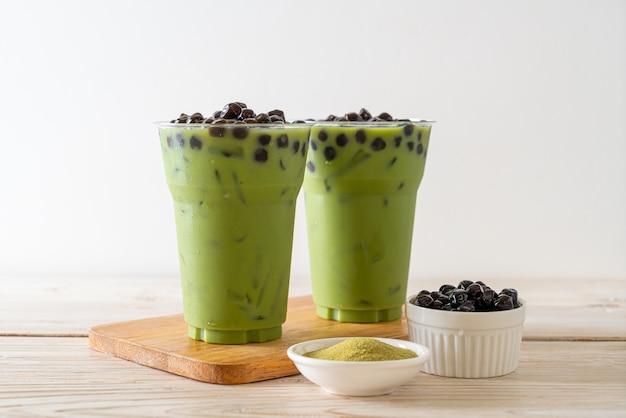 Lattes de thé vert avec bulle