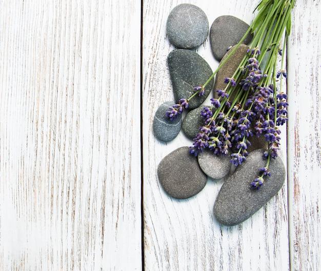 Lavande et pierres de massage