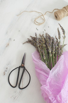 Lavande, récolte, bouquet, lavande, sur, blanc, bois, aromathérapie, vue haut, espace copie, style, provence, français