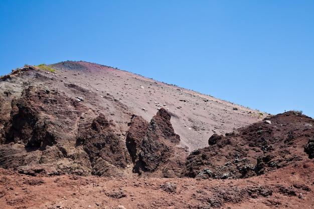 Lave volcanique froide dans le cratère du vésuve - naples - italie
