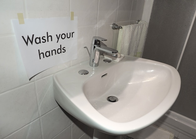 Lavez-vous les mains signe