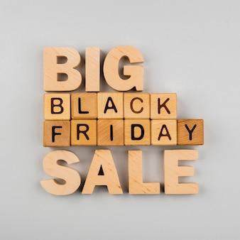 Lay plat de gros cubes noirs vendus vendredi
