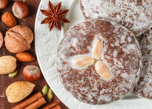 Lebkuchen, pain d'épice de nuremberg aux noix