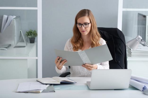 Lecture de document d'entreprise