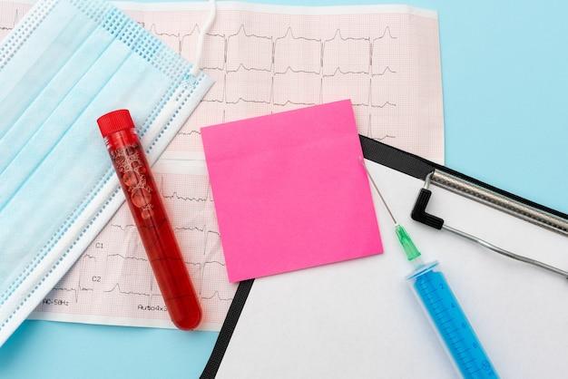 Lecture de graphiques rédaction de notes médicales importantes analyse des résultats des tests maladie maladie prévention des infections études scientifiques plans de traitement résultats des tests de cardiogramme