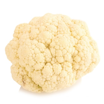 Légume de chou-fleur frais sur fond blanc