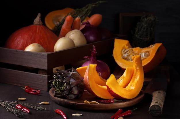 Légumes d'automne. concept de récolte biologique saisonnière et de récolte d'automne