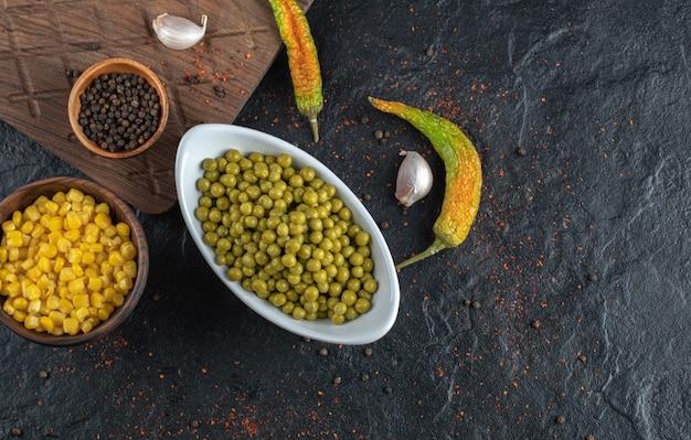 Légumes En Conserve Photo gratuit