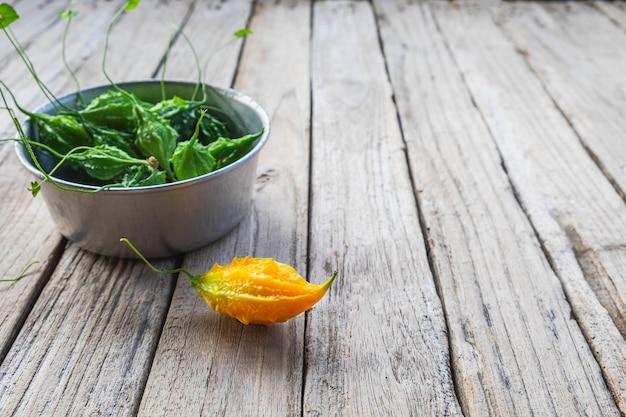 Légumes à la courge amère. nourriture saine