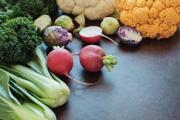 Légumes crucifères, régime végétalien, paléo et cétogène
