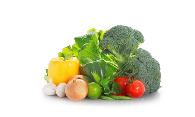 Légumes sur fond blanc