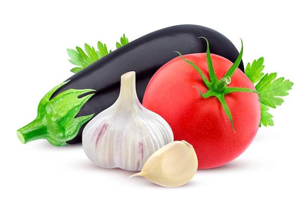 Légumes frais isolés sur blanc
