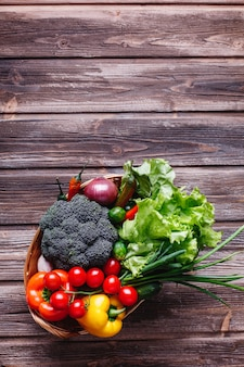 Légumes frais et verdure, vie saine et nourriture. brocoli, poivron, tomates cerises, piment