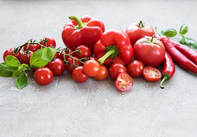 Légumes rouges frais