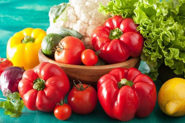 Légumes tomate poivre avocat oignon chou-fleur laitue