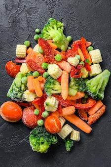 Légumes tranchés à froid surgelés, brocoli, poivrons doux, tomates, carottes, pois et maïs