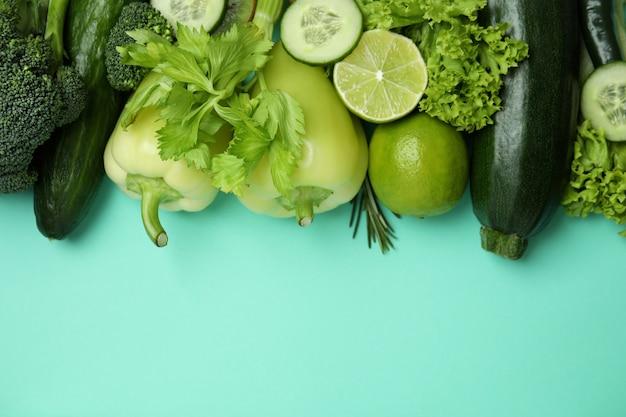 Légumes verts frais à la menthe