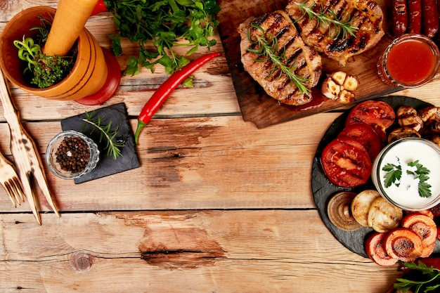 Légumes à la viande grillés