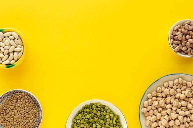 Légumineuses, lentilles, pois chiches, haricots, lentilles vertes
