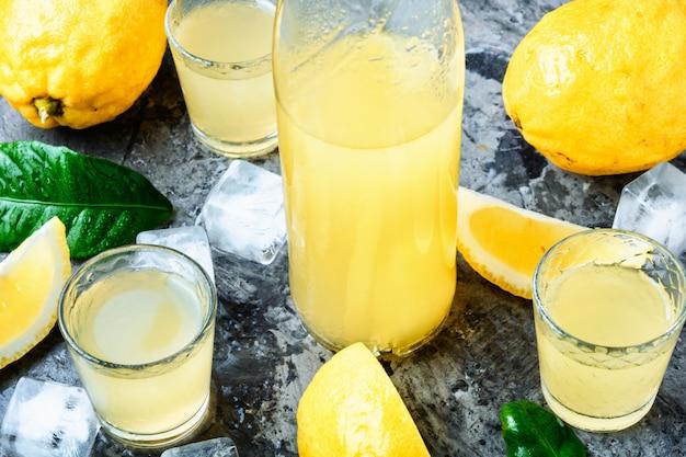 Lemoncello, liqueur italienne au citron