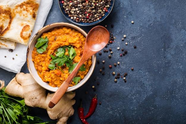 Lentilles indiennes traditionnelles dal