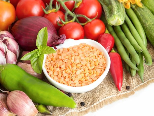 Lentilles et légumes rouges