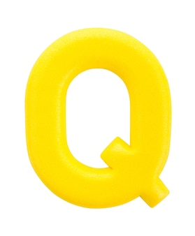 Lettre de l'alphabet q faite d'isolement sur la surface blanche