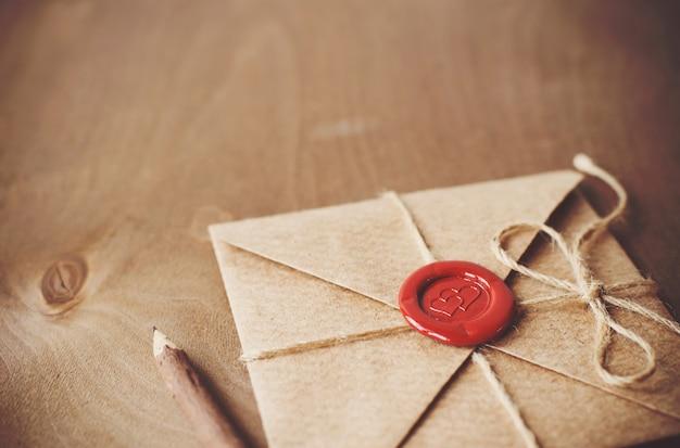 Lettre d'amour et crayon