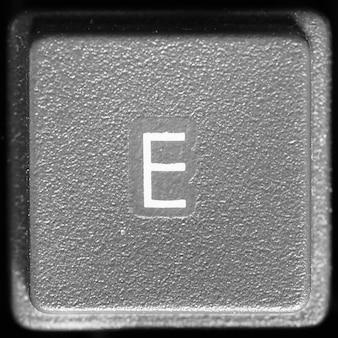 Lettre E Sur Clavier D'ordinateur Photo Premium