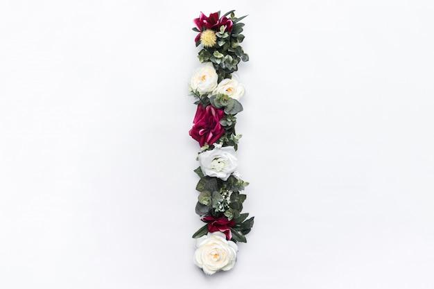 Lettre de fleur i monogramme floral photo gratuit