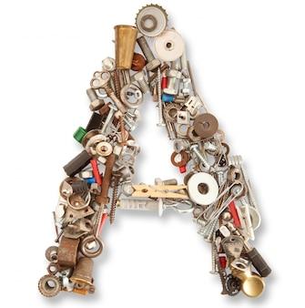 Une lettre mécanique isolée en blanc