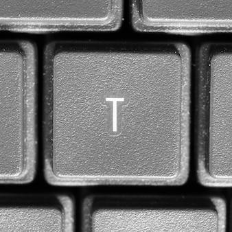 Lettre t sur clavier d'ordinateur