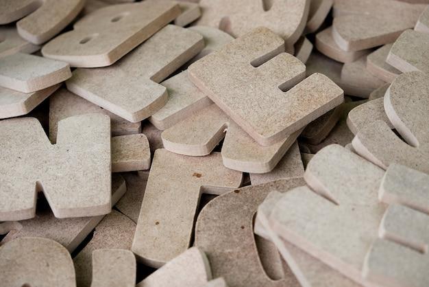 Lettres en bois de l'alphabet anglais à vendre dans la boutique du bois